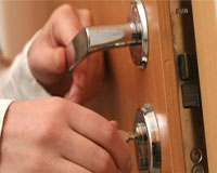 domestic locksmiths services london